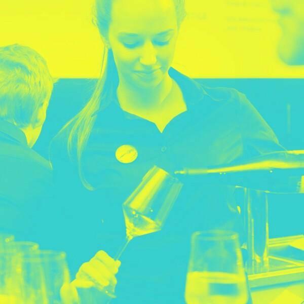 Barman/barmaid